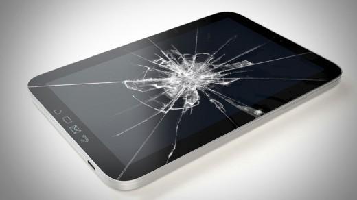 Smashed-Smartphone-520x292